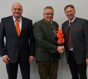 Der allererste Preisträger des KOK-Awards heißt Josef Peham. Er hatte am Tag des Kachelofens ein Oktoberfest mit Weißwurst und Bretzen veranstaltet.