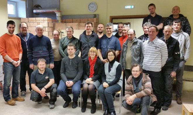 """Die Teilnehmer des Workshops in Estland mit DI Johannes Mantler vom KOV (ganz links). Das Projekt fand im Rahmen von """"Erasmus+"""" statt. Das ist ein Programm der EU zur Förderung von Qualifikationen und Beschäftigungsfähigkeit, das von 2014 bis 2020 läuft."""