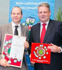 Bundesminister Andrä Rupprechter und Manfred Tauchner von der Firma Rath.