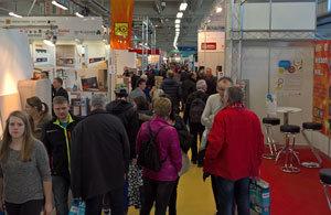 Großen Besucherandrang gab es in der Halle 10 der Messe in Wels, in der auch der Infostand des Kachelofenverbandes zu finden war.