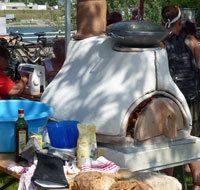 Nicht nur Show: Im Backofen wurde Brot gebacken.